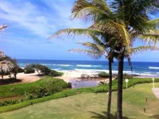 SEE & HEAR OCEAN! KAUAI BEACH VILLAS BEACHFRONT, Lihue