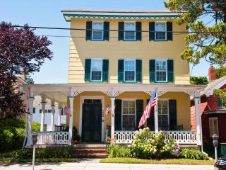 Classic Seashore Rental 220 Perry Street Cottage, Cape May