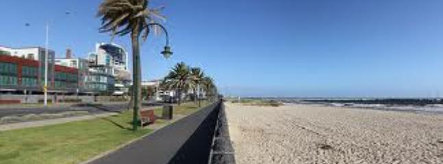 Port Melbourne Serviced Apartment beach and walkways