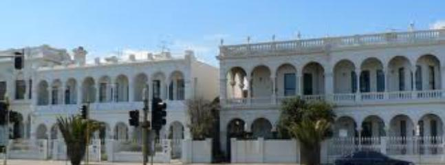 Port Melbourne Serviced Apartment  beautiful old homes