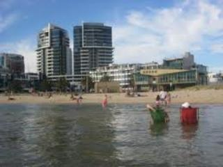 Port Melbourne Serviced Apartment  beach