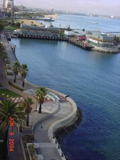 Port Melbourne Serviced Apartment  waterfront walks