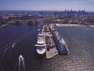 Port Melbourne Serviced Apartment  longest wooden pier in southern hemisphere
