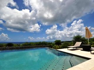 HOPE BELLE VUE... 4BR Luxury Hillside Villa Overlooking Orient Bay