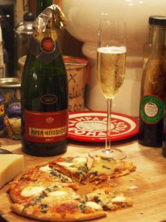 A little late-night bubbly with Piper Heidsieck & goat cheese pizza at the Chianti Life B&B/Retreat!