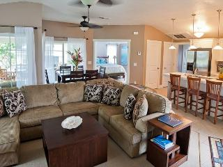 Plantations 322~ Beautifully Decorated, Spacious Condo with A/C
