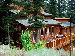 Alpine Meadows Big Mountain Home - Views & Hot Tub Vacation Rental, Lake Tahoe (California)