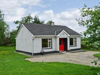 KATE'S COTTAGE, detached, single-storey, open fire, rural location, near fishing, Taughnamore near Carrick-on-Shannon, Ref. 16325