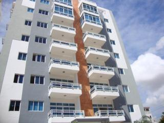 New 3 bedroom in Bella Vista area near everything, Santo Domingo