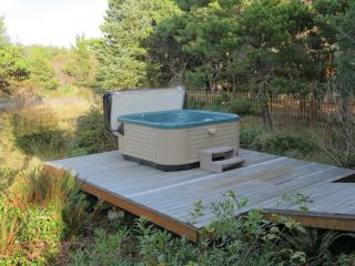 Nedonna House ~ Three Bedroom ~ Hot Tub, Wi-Fi ~ Partial Ocean View ~ Fire Pit