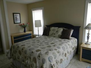 BUDGET RENTAL 1 BLK TO GREAT BEACH!- PLEASURE PIER, Galveston