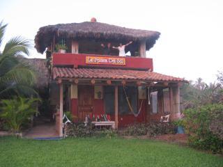 The Puesta del Sol, Troncones
