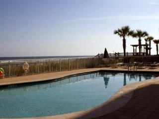 Aug 20-23 $159/nt~Oceanfront 6th Flr Condo, 2 Pools, 2 Bd/2BA, Great Balcony