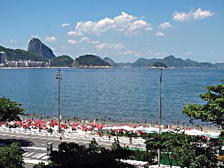 Ocean view 2 BR with Wi-Fi - Copacabana at Posto 6, Rio de Janeiro