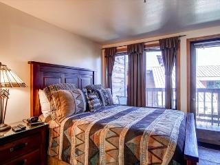 Tyra Lookout Bedroom Breckenridge Ski-in/Ski-out Lodging
