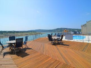 Recently Remodeled 3-bedroom Condo w/ Private Boat Slip and Spectacular Views, Spicewood