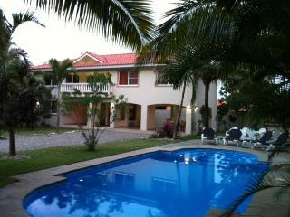 Caribbean Paradise,3 Bd, 3 BA Villa,1/2 Acre, WIFI, Sosua