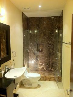 Second bathroom / walk-in shower