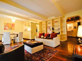 Luxury Apt. with view on the Pantheon! (Pantheon), Rome