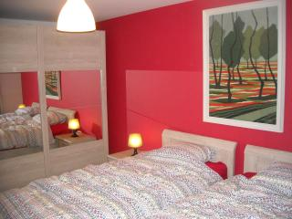2 bedroom apartment 4/6 people at center of Bruges, Brujas