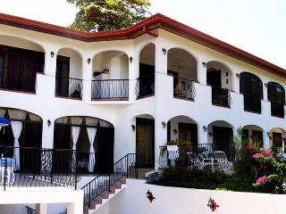 Vila El Sueno de Ocotal, Golden Coast, Costa Rica, (we offer meals if requested)