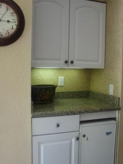 Bar area with granite counter top