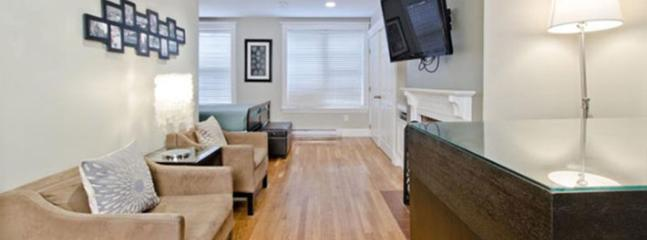 New Heart of Beacon Hill Studio Apartment, Boston