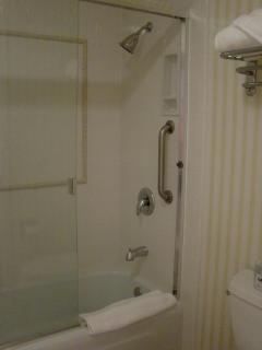Full bath in guest room