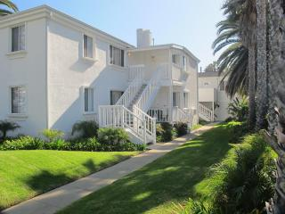 Amazing Location steps to the Beach...Brand New!, San Diego