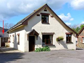 STABLE COTTAGE family friendly, on a working farm near Haverfordwest Ref 13901