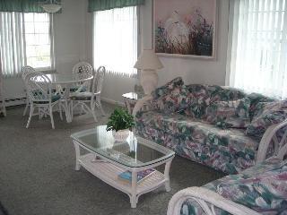 Livingroom - Diningroom ~ 3 Bedroom Suite