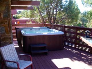 Walk to trails, theater; private spa in starlight, Sedona