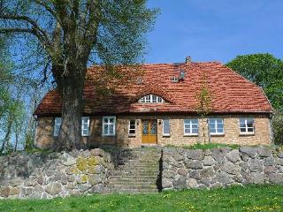 Vacation Apartment in Weitendorf - 1066 sqft, warm, quiet location (# 2722), Parchim