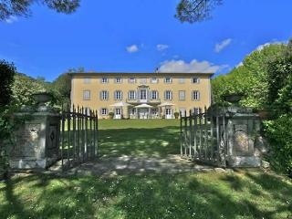 Historic Villa Bocelli Rental in Lucca