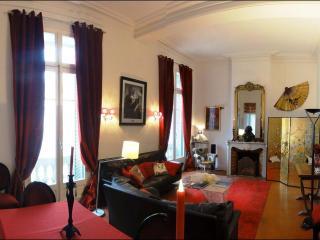 A lofty, spacious, living room