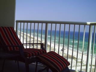 Gulf Front Luxury Condo Renovated 2011, Navarre