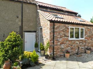 ANNEXE, romantic retreat, village centre in Thirsk, Ref 16137