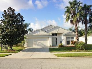 Little Palms Villa. A lakeside home with style., Bradenton
