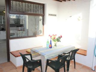 Bungalow Primavera - 100 mtrs from sandy beach, Puerto Del Carmen