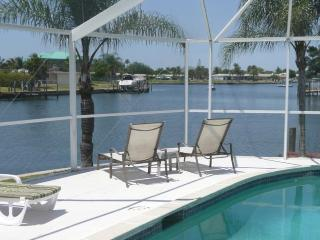 Waterfront Villa with Boat and South Facing Pool, Cape Coral
