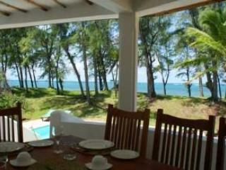 The Beachcomber - Popular 4-Bedroom Beach House, Watamu