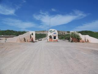 GUARD STATION AT ENTRY