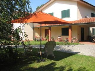 5 Bedroom Vacation Villa in Lucca