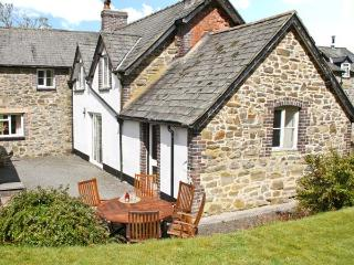 PARC COTTAGE, woodburners, pool table, rural location in forest, near Lake Vyrnwy in Llanwddyn, Ref 13526