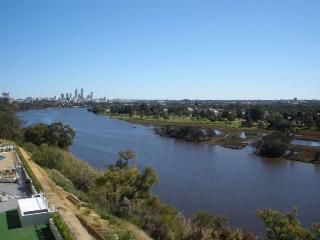 Swan Riverside Luxury Apartment, Perth