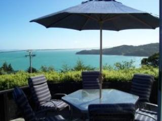 Designer Waiheke Island house - stunning sea views, Île de Waiheke