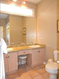 Merlot Suite Bathroom
