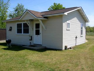 2 Bedroom Cottage in Lake Michigan Resort Village