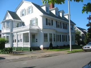 Victorian in Greater Boston 50 yards from beach