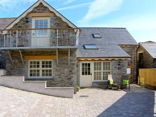 YSGUBOR ISAF, quality accommodation, en-suites, ground floor bedrooms, farm setting near Newcastle Emlyn, Ref 16579